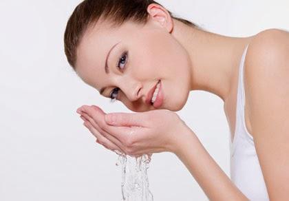 Come avere una pelle perfetta in poche, semplici, mosse: ecco tutti i consigli