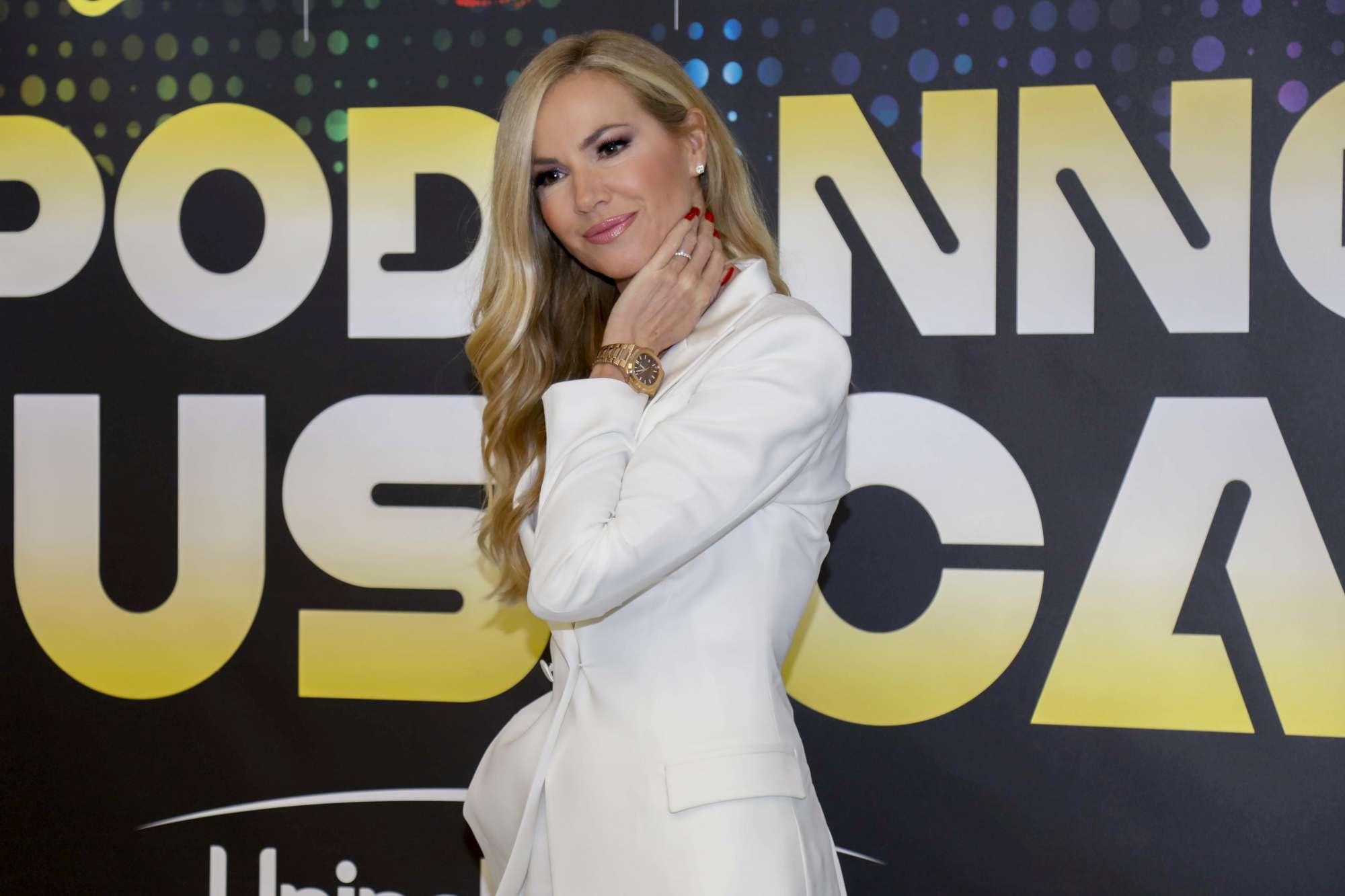 Federica Panicucci accende il Capodanno di Canale 5