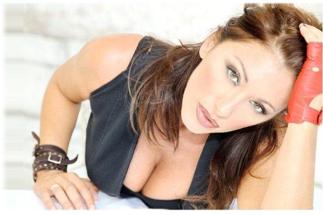 Sabrina Salerno, show e film in Francia: eccola a 49 anni