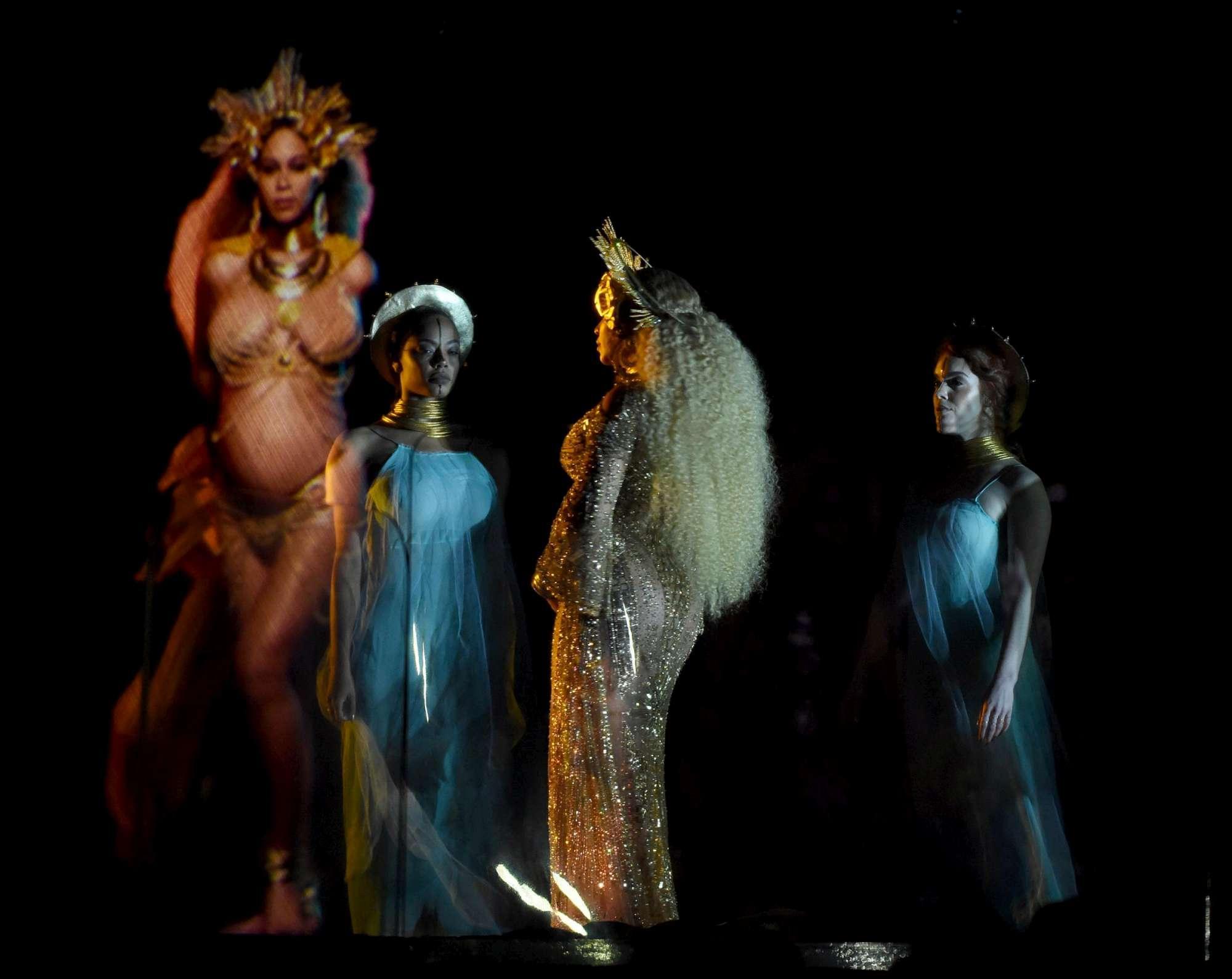 Beyoncé, niente Coachella quest?anno: il dottore glielo vieta