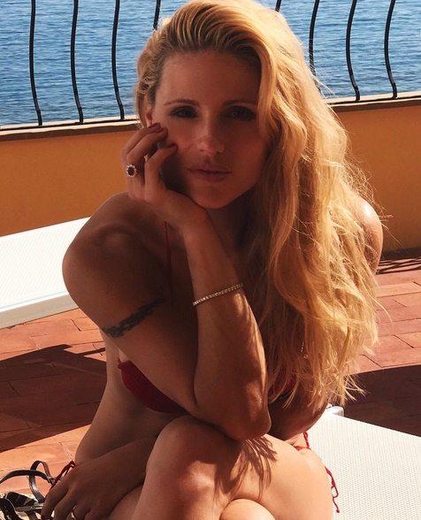 """""""Femminilità è..."""", la grande lezione di vita di Michelle Hunziker su Instagram"""