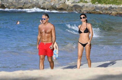 Roberto Mancini, vacanze a Saint Barts con la misteriosa ragazza mora