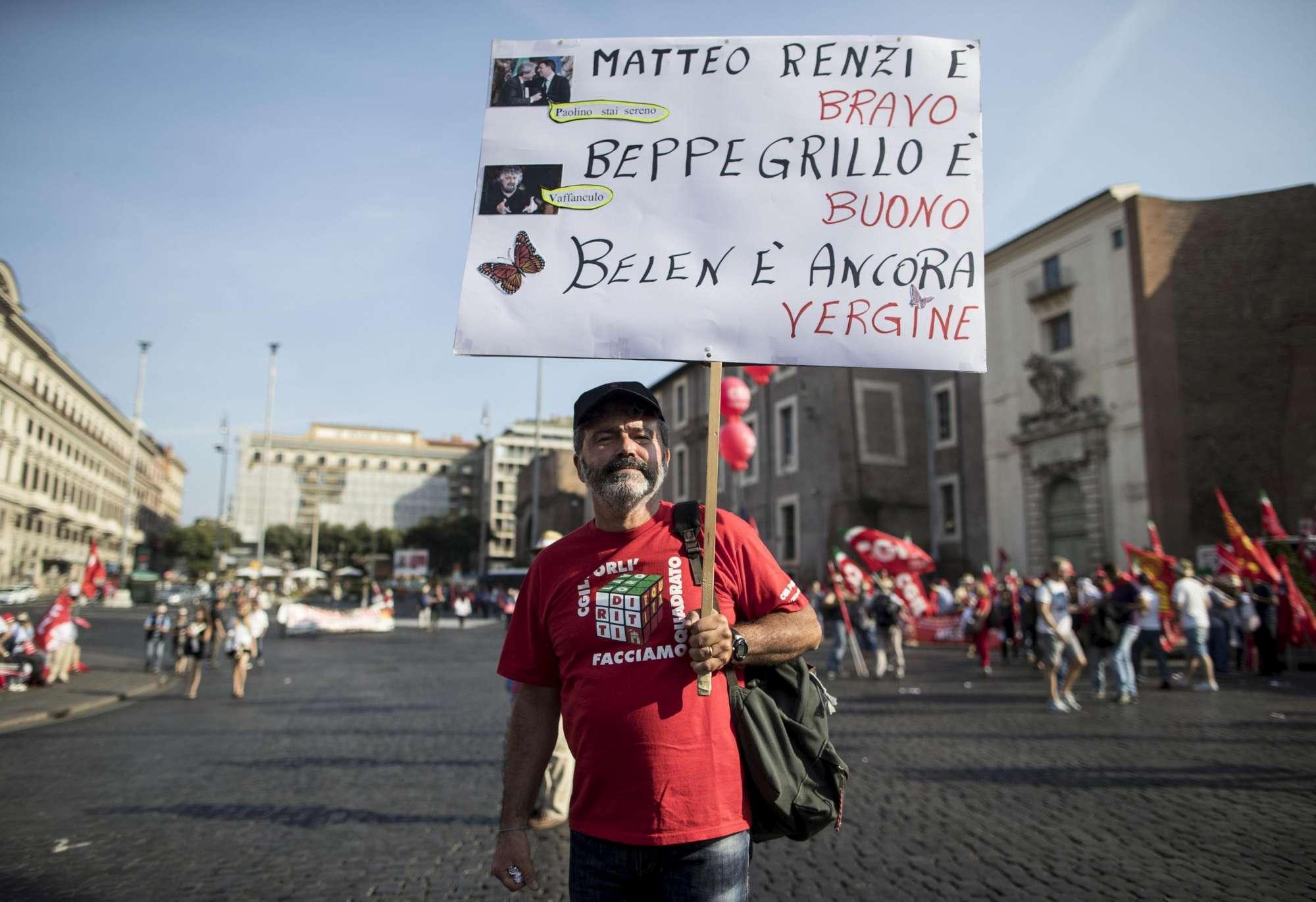 Cgil a Roma contro i nuovi voucher, D'Alema: giusta risposta a vicenda vergognosa