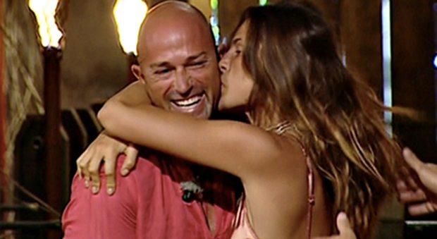 Dayane Mello da l'addio a Stefano Bettarini e torna fra le braccia dell'ex