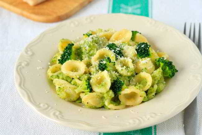 Orecchiette con i broccoletti