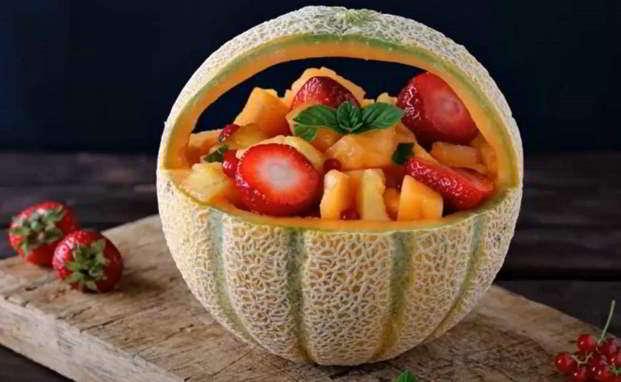 Melone ripieno di frutta
