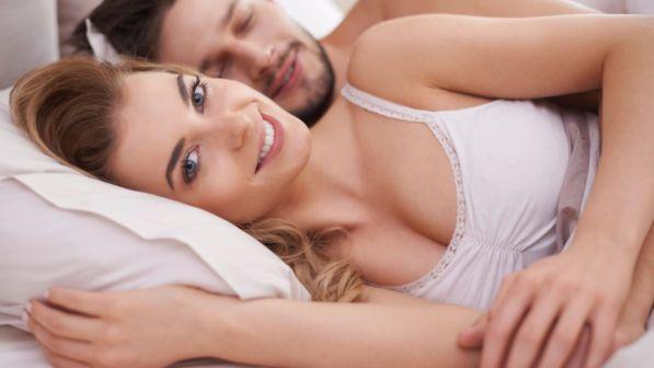 Dormire bene anche con lui accanto: ecco come fare