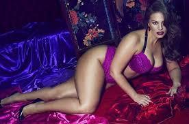 """Ashley Graham, la modella oversize a tutte le donne: """"Non vergognatevi del vostro corpo""""Ashley Graham, la modella oversize a tutte le donne: """"Non vergognatevi del vostro corpo"""""""