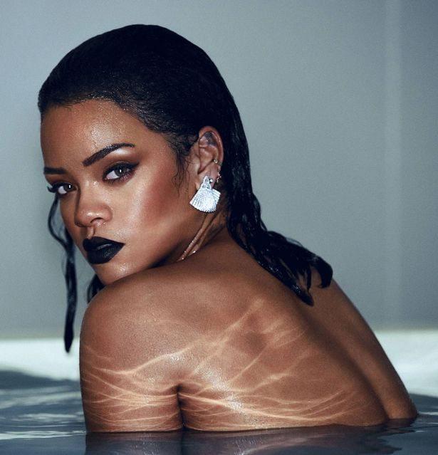 Rihanna come Kim Kardashian? La cantante è fuori forma e con i segni della cellulite