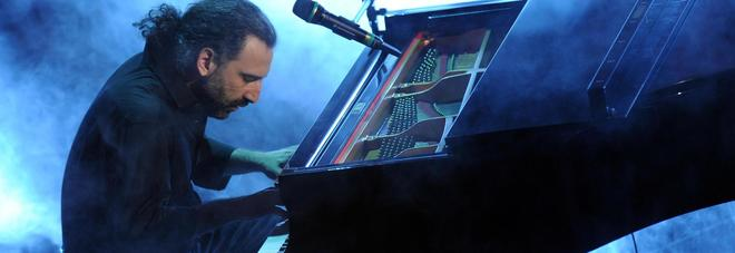 """""""Napoli trip"""", Bollani & friends live all'Arena Flegrea tra jazz e melodia"""