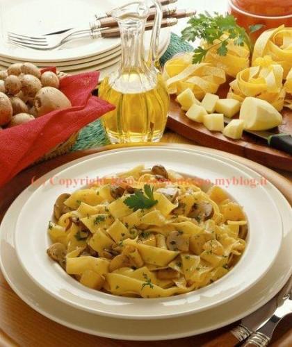 Pappardelle con le patate e funghi porcini- ricetta passo passo con foto