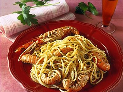 Spaghetti con scampi al cognac