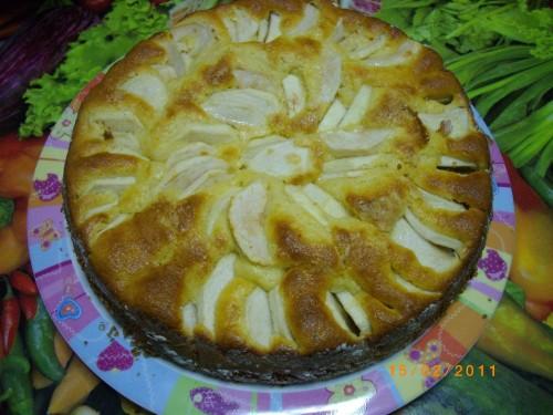 Torta con mele caramellate e frullate alla cannella