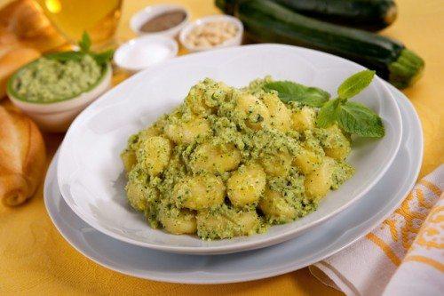 Gnocchi al pesto di zucchine - La ricetta in 5 mosse
