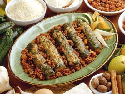 Un secondo leggero e saporito....Zucchine con carne al ragù