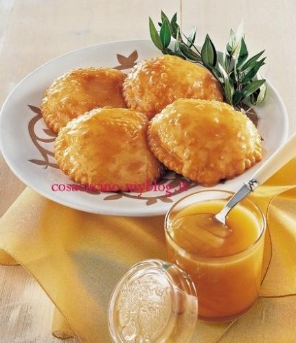 Seadas, la ricetta - Chiudi gli occhi e senti  il dolce  contrasto, questo è il sapore della Sardegna