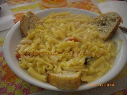 Pasta e fagioli con pasta mista