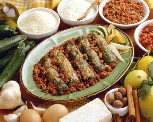 Zucchine con carne al ragù