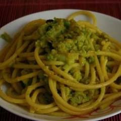 Bucatini con i broccoli - la ricetta