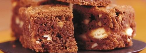 Mini brownies al cioccolato bianco facili e rapidi in 4 mosse