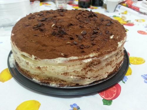 Torta tiramisù con crema pasticcera e mascarpone