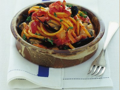 Pasta all'amatriciana con le cozze