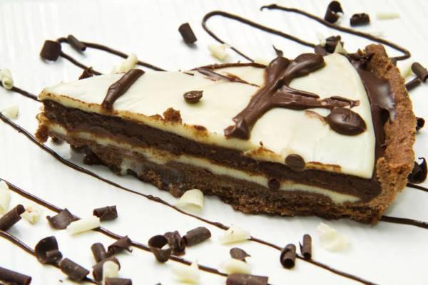 Torta al cioccolato bianco e fondente