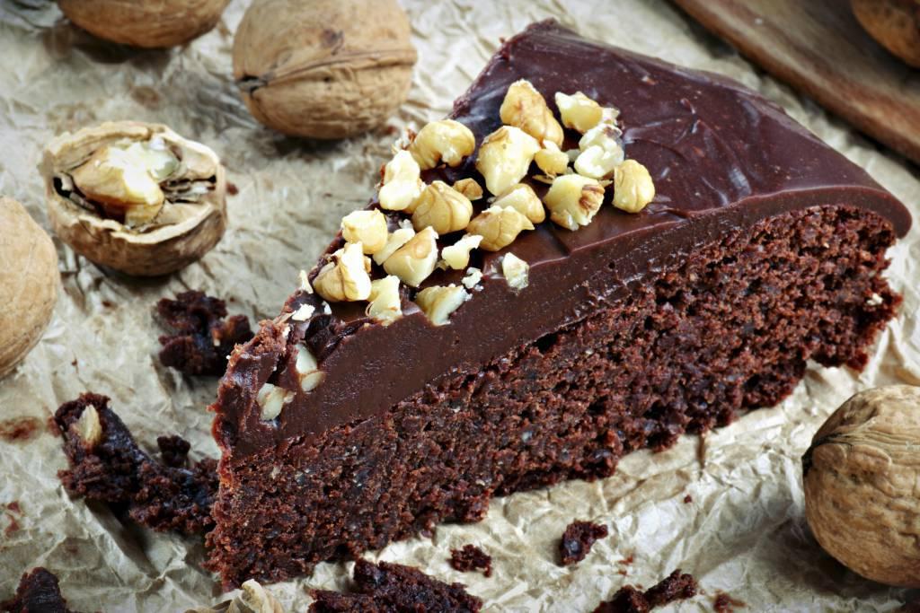 Torta veloce al cioccolato e nocciole