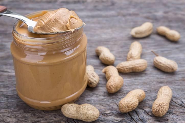 Burro di arachidi: benefici per la salute e come si prepara