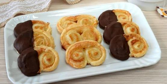 Ventagli di pasta sfoglia, la ricetta velocissima per preparare le prussiane