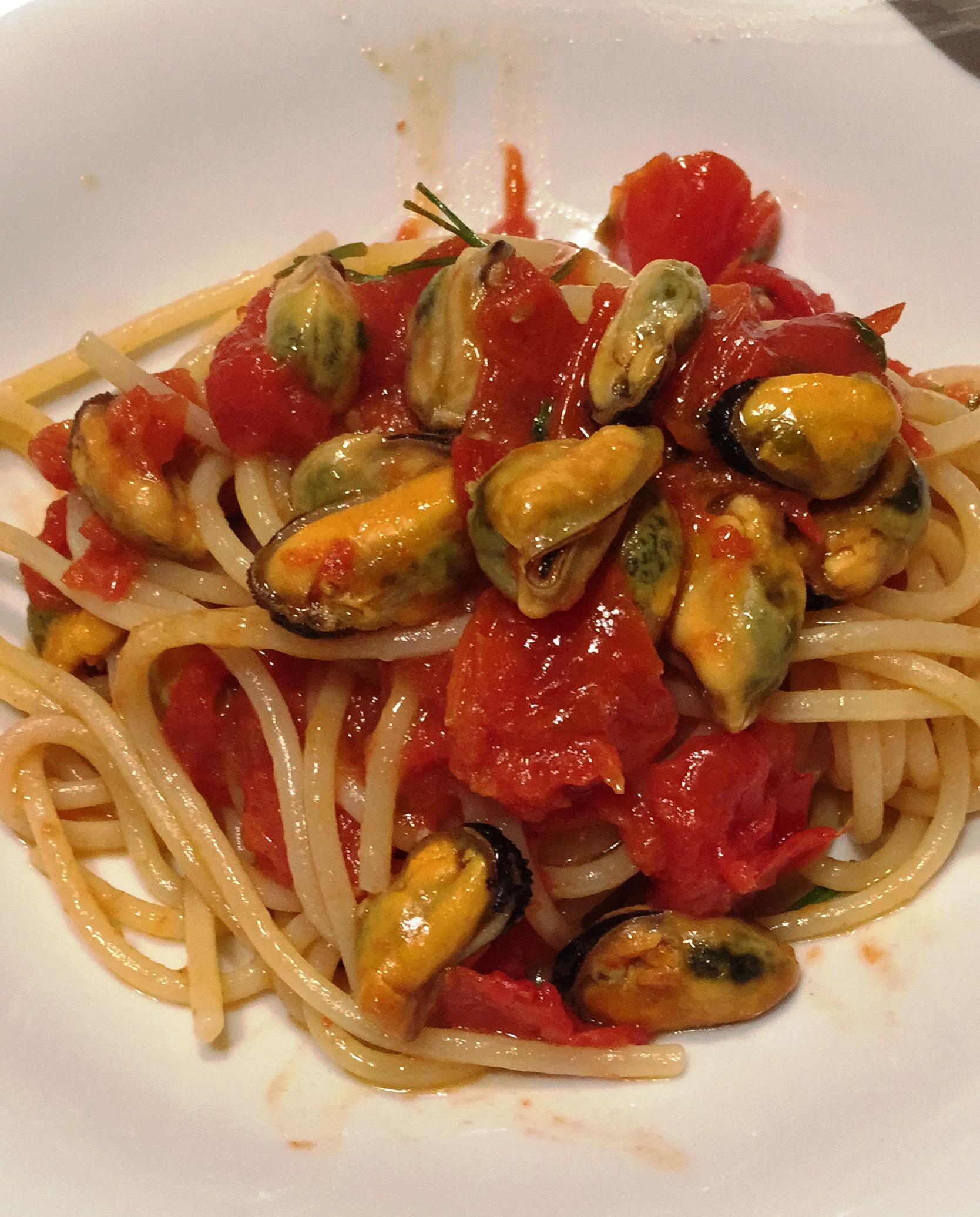 Spaghetti con le cozze alla tarantina