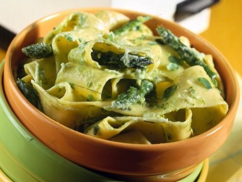 Pappardelle alla crema d'asparagi