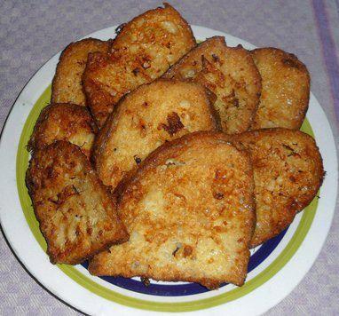 Pane avanzato? Ecco una veloce e gustosa ricetta...Pane dorato - Ricette di Sardegna