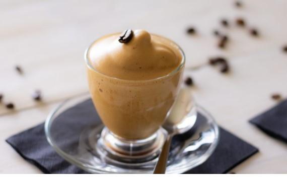 Crema al Caffè Senza Panna in 5 Minuti
