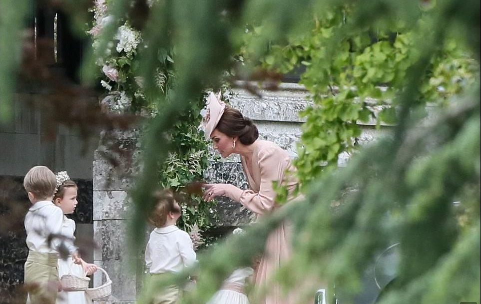 Baby George piange alle nozze di Pippa: colpa di una sgridata di mamma Kate