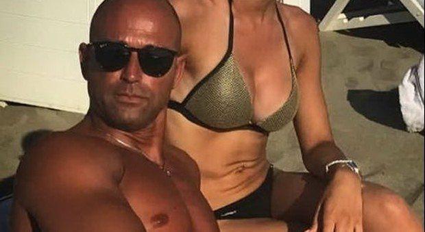 Stefano Bettarini ha una nuova fiamma: su Instagram la foto della donna misteriosa