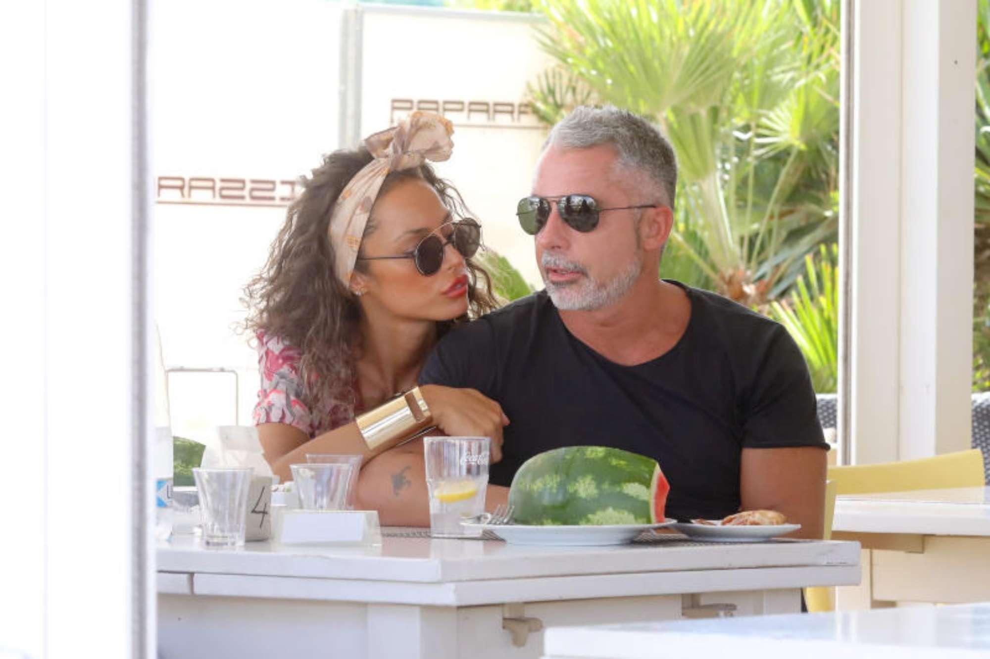 Raffaella Fico a pranzo con il fidanzato Alessandro Moggi