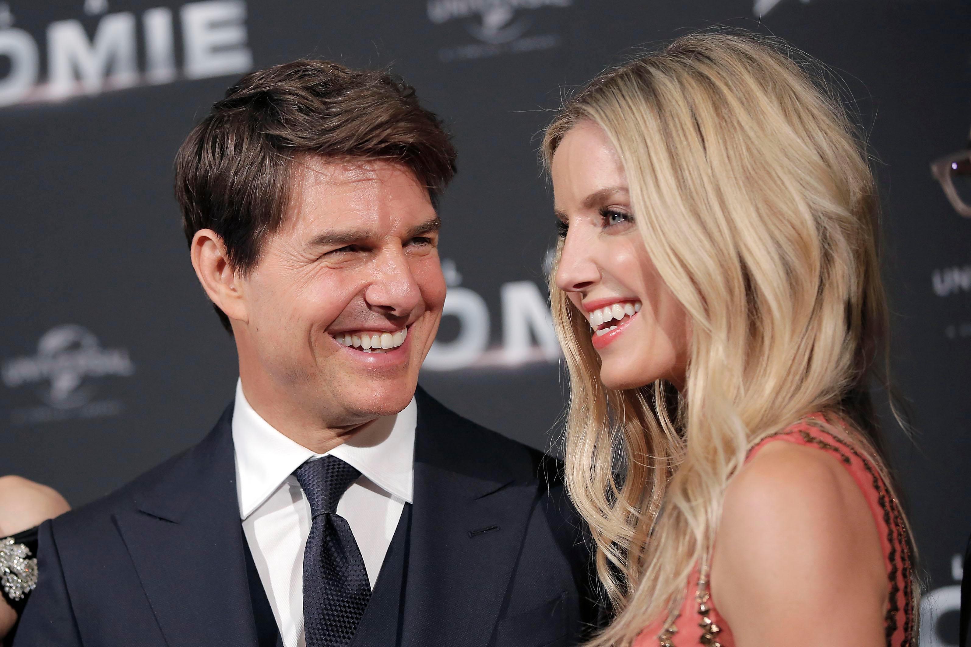 """Annabelle Wallis rivela """"Nessuno può correre accanto a Tom Cruise sul set"""
