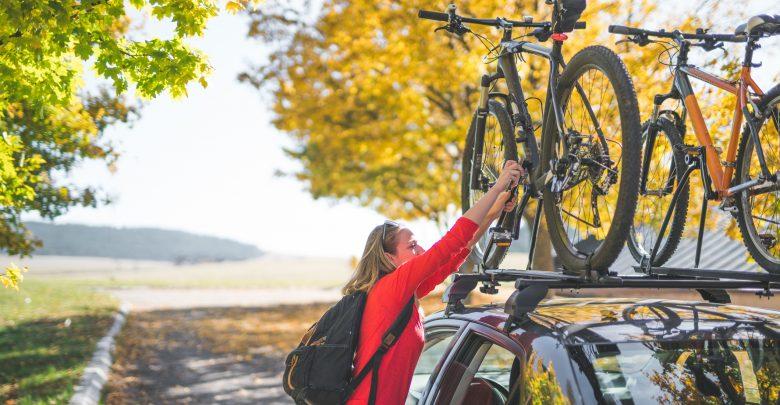 Bicicletta, i consigli per scegliere il portabici da auto e come montarlo