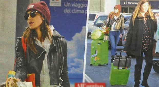 Belen Rodriguez infastidita: all'aeroporto non c'è Stefano De Martino ma trova il paparazzo