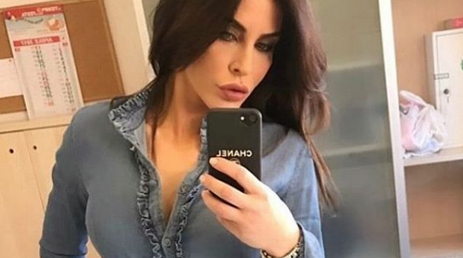 Guendalina Tavassi: «Incinta a 17 anni, mio padre per mesi e mesi non mi ha rivolto la parola»