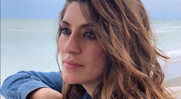 Elisa Isoardi, chi è il presunto stalker. L'uomo si è presentato ai tornelli della Dear