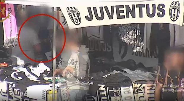 Juve, in manette 12 capi ultrà: estorsioni e violenze. Ricattavano il club: «I biglietti o cantiamo cori razzisti»