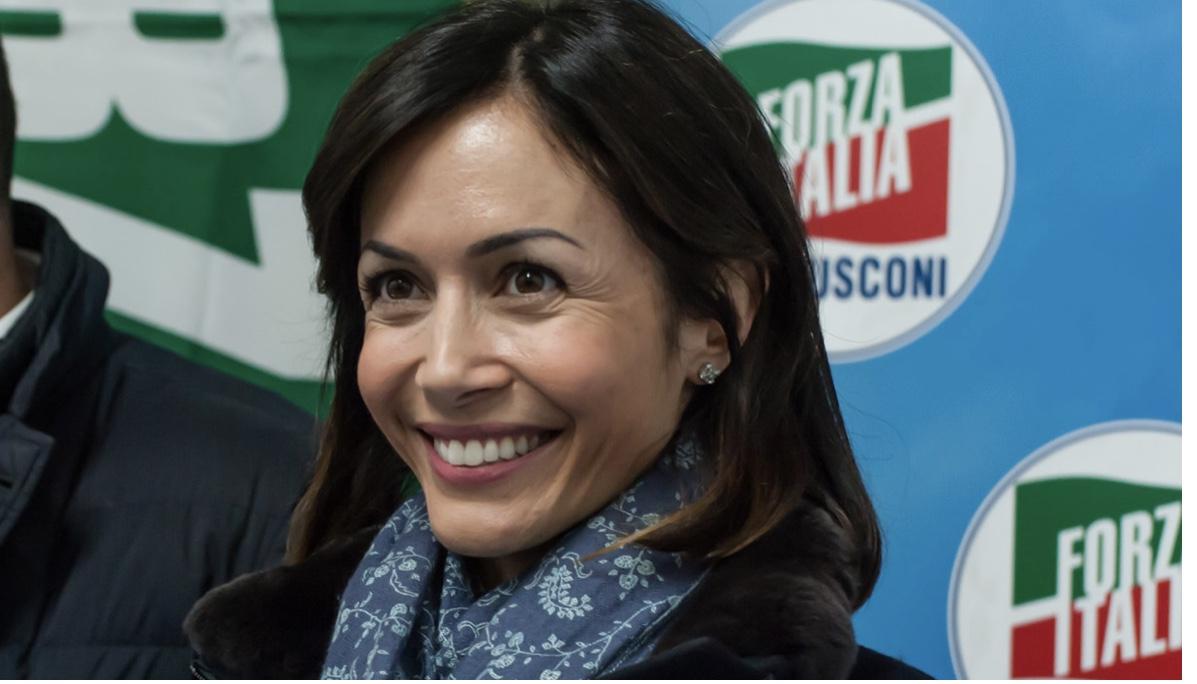 Mara Carfagna è in dolce attesa: una bimba da Alessandro Ruben