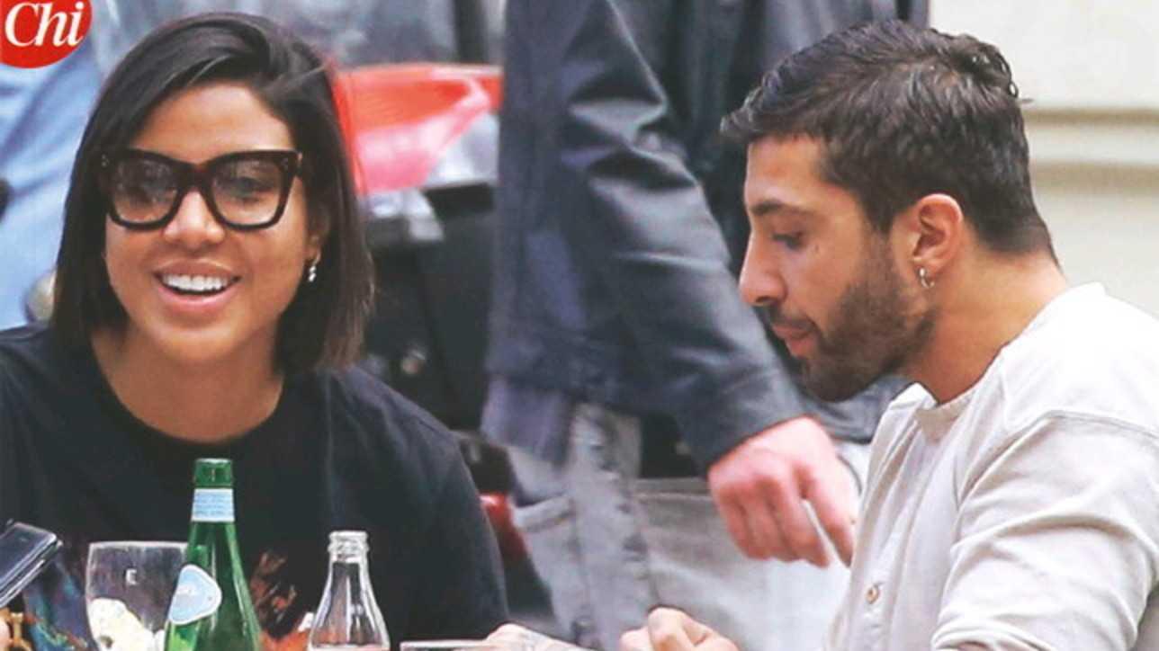 Andrea Iannone fotografato a Milano con Carmen Victoria Rodriguez