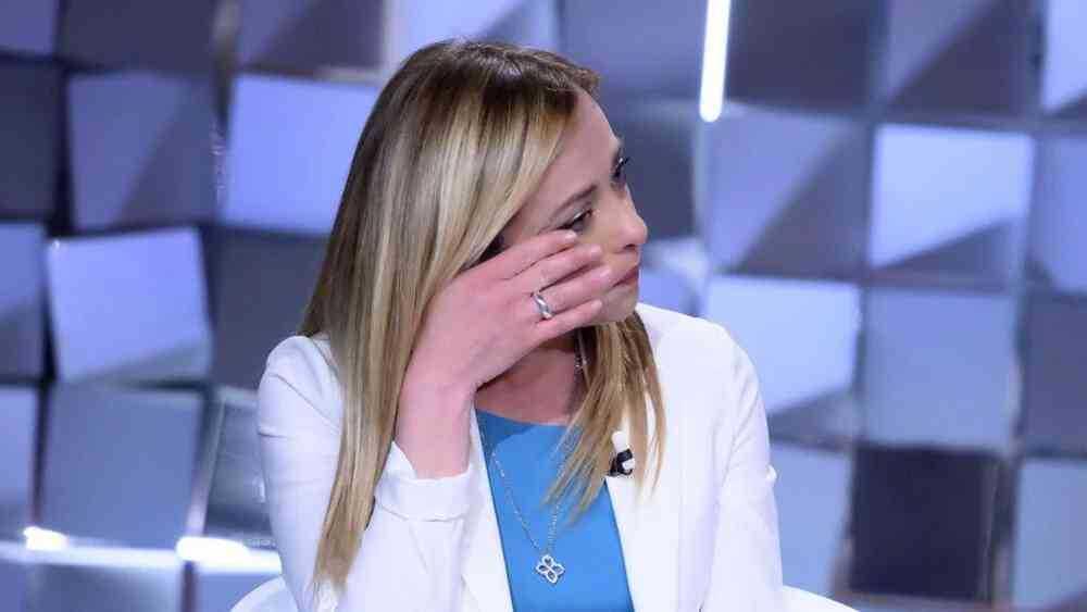 Giorgia Meloni in lacrime a Verissimo mi hanno augurato di abortire