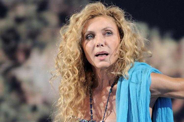 Eleonora Brigliadori sui vaccini sarete colonizzati da Satana vi uccideranno con impulsi 5G