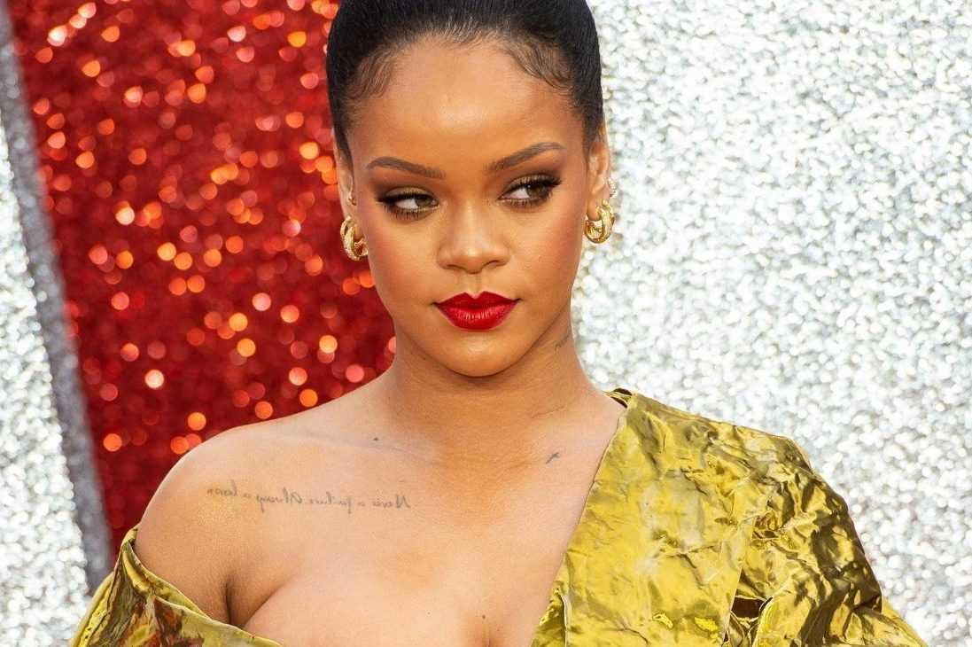 Rihanna è diventata la cantante più ricca al mondo