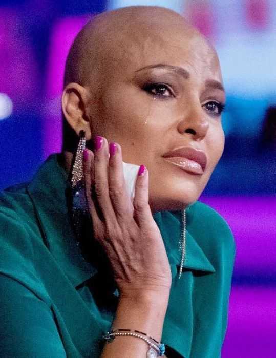 Carolina Marconi in lacrime Verissimo volevo un figlio e ho scoperto un tumore aggressivo