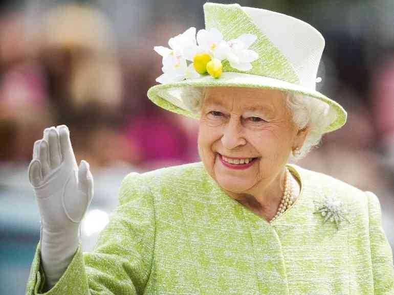 La Regina Elisabetta ha rifiutato un premio per anziani ecco le motivazioni